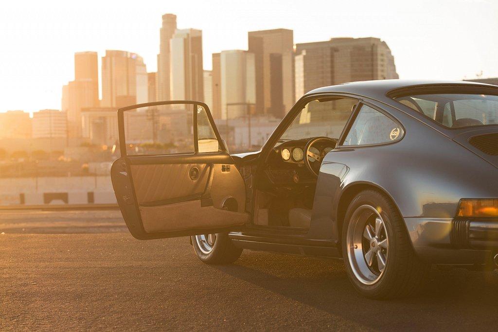 MOMO-Blue-Porsche-911-911-SC-117.jpg