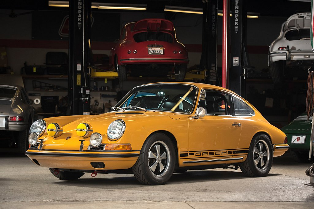 MOMO-Yellow-Porsche-912-Benton-Heritage-112.jpg
